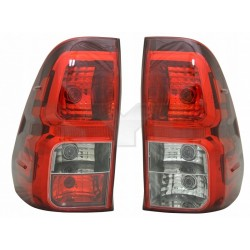 LAMPA TYŁ HILUX VIII 15- LEWA 81560-0K270